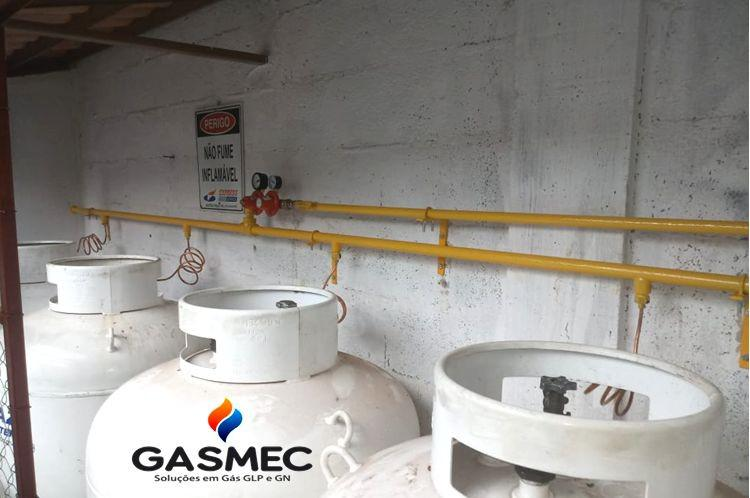 Montagem de central de gas